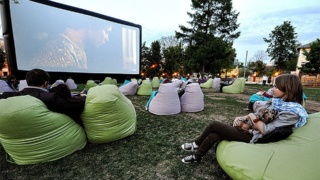 Уличные кинотеатры