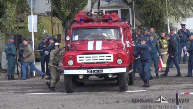 Пожар уничтожил кровлю нефункционирующего завода под Горловкой