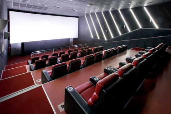?В ДНР вновь запускаются кинотеатры, кафе, спортзалы и много другого!