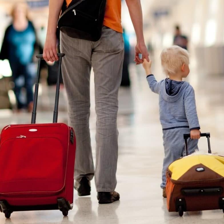 пересечение границы с ребёнком